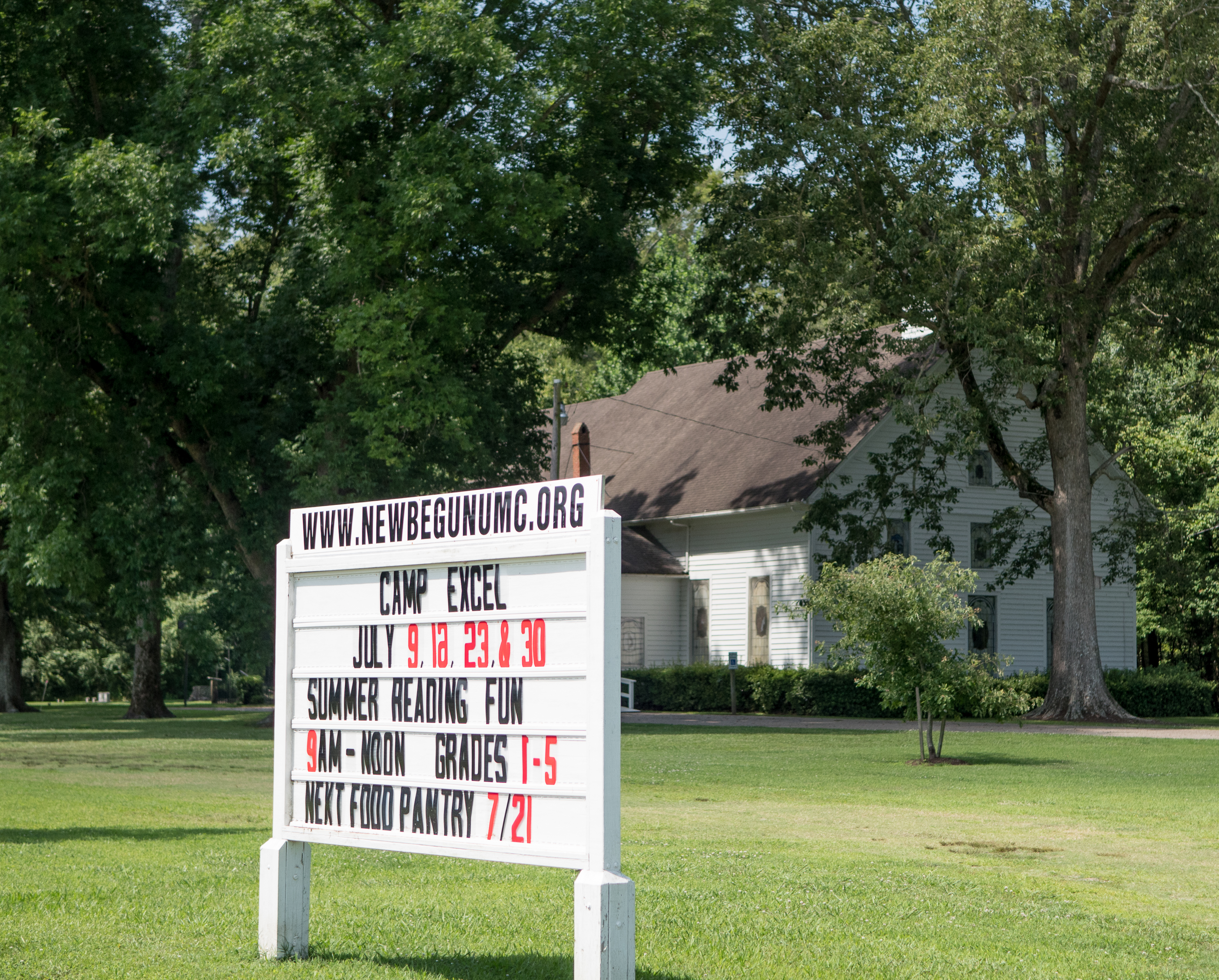 Newbegun United Methodist Church Worshiping God